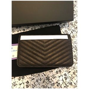 CHANEL Bags - Like New RARE Authentic Chanel WOC